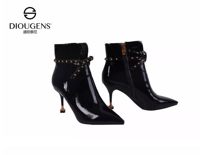 时尚冬靴品牌有哪些 迪欧摩尼女靴温度风度并存