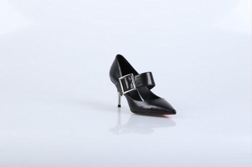 女鞋投资加盟什么牌子好 迪欧摩尼女鞋屹立行业前列