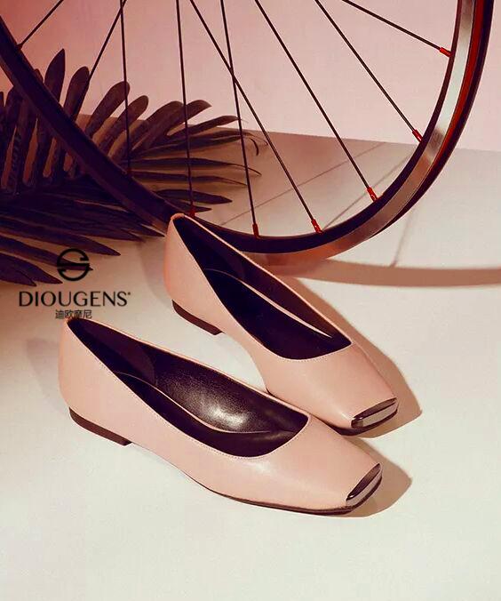 迪欧摩尼快时尚鞋包品牌:把握好开鞋店的经营技巧能让你马到功成!