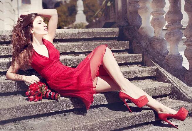 世界品牌男女鞋加盟排行榜:迪欧摩尼品牌给加盟商强势助力!