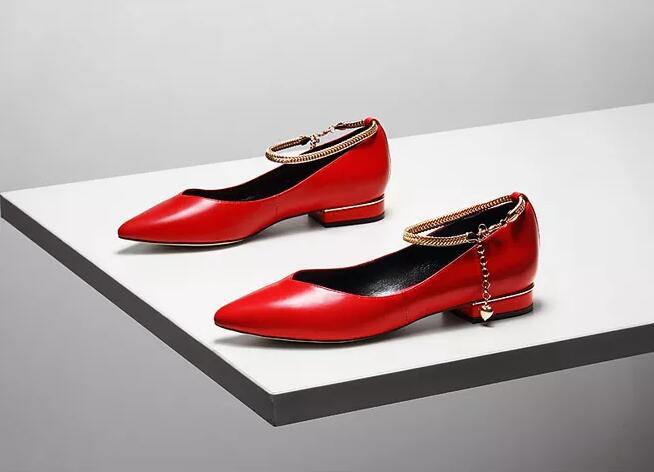 国内品牌女鞋排名:迪欧摩尼时尚女鞋强势助力加盟商共创财富