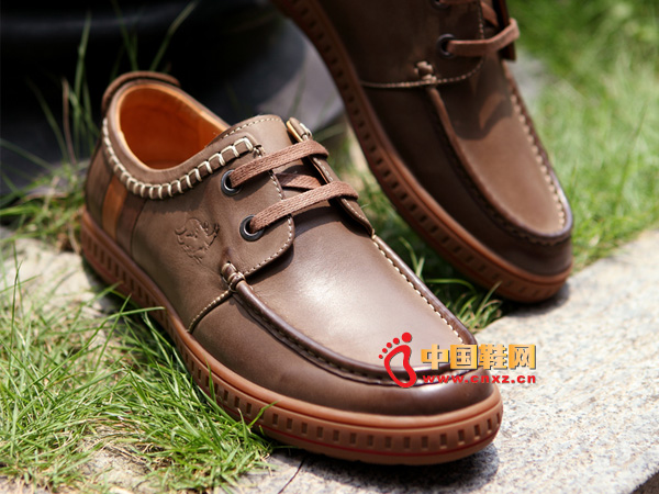 sevenkangaroo(斯凯瑞)棕色系带防滑男士必备休闲鞋5297