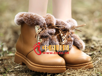 沃格秋冬女鞋系列 时尚毛绒休闲低靴