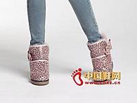 街梯新款时尚女鞋 百搭雪地靴
