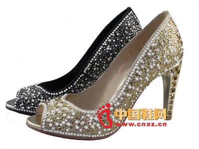 沃格春夏新款女鞋上市