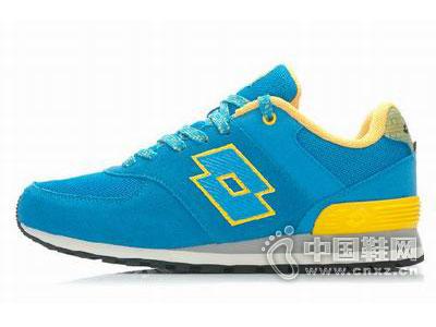 乐途2015新款运动鞋
