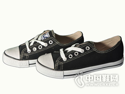 �i路2015新款布鞋�a品