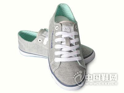 鹏路2015新款布鞋产品