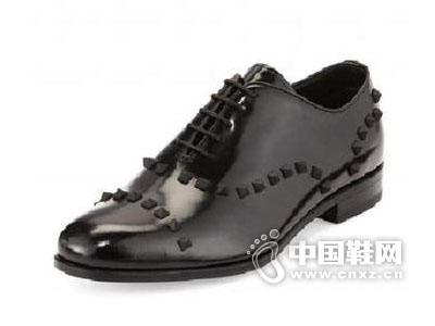 美国2015华伦天奴男铆钉时尚正装皮鞋