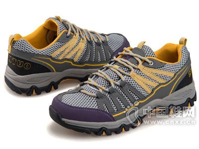新西狼户外鞋新款产品