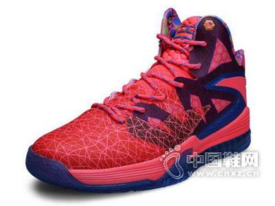 安踏运动鞋新品上市
