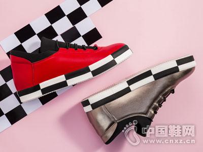 2018流行的鞋子 韩国2018秋冬流行鞋款 2018年的流行元素是 2018流行图片