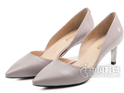 星期六2016新款女鞋产品