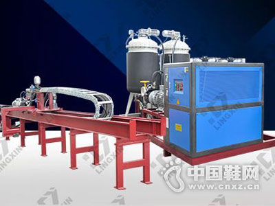 领新机械――聚氨酯高压发泡机