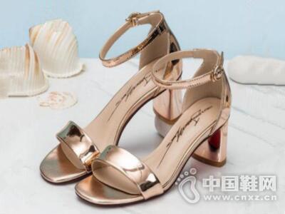 卓诗尼2017夏季后包凉鞋高跟漆皮一字扣带露趾女鞋