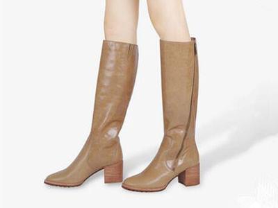 左右缤纷2017冬自然皱油皮女靴