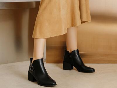 达芙妮2017冬女靴切尔西靴大金属环粗跟休闲短靴女