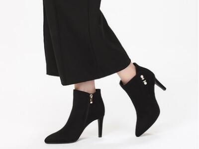 达芙妮2017冬性感高跟细跟女靴
