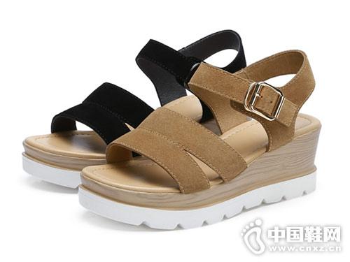 2018骆驼休闲鞋厚底坡跟女凉鞋新款产品