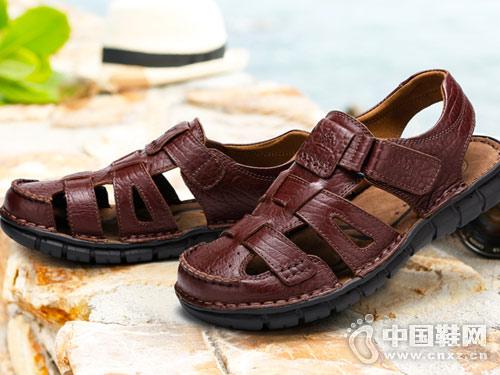 2018骆驼休闲鞋男凉鞋新款产品