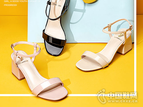 2018意尔康皮鞋时装粗跟凉鞋新款产品