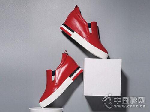 丹比奴鞋包2018新款坡跟单鞋产品
