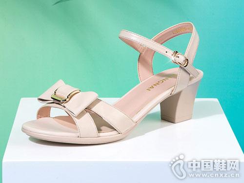 康奈女鞋2018新款凉鞋产品