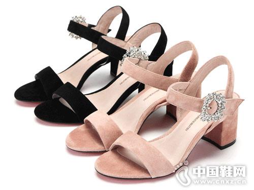 西村名物女鞋2018新款粗跟凉鞋