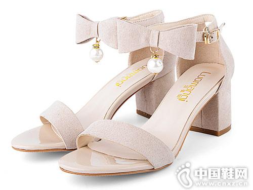 洛曼琪女鞋2018新款粗跟涼鞋