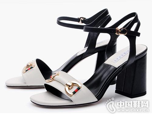 左右缤纷女鞋2018新款粗跟凉鞋