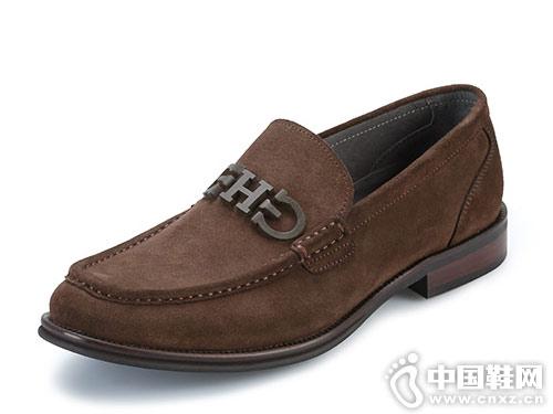 红科男鞋2018新款休闲皮鞋