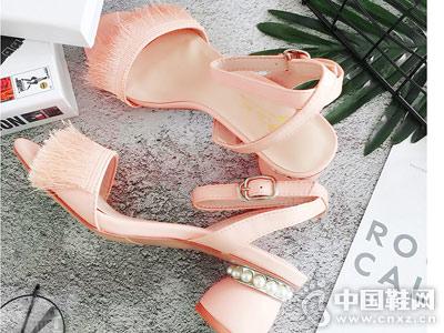 琪可朵女鞋2018新款粗跟�鲂�