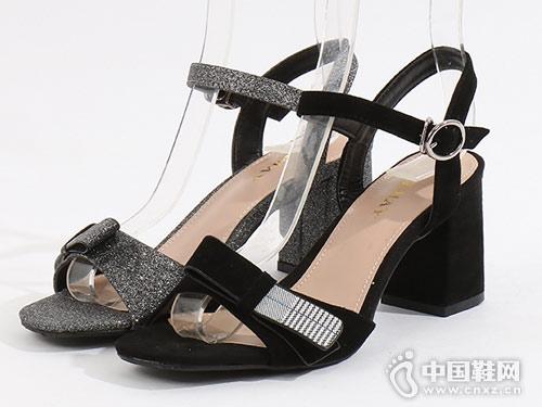 易美特卖女鞋2018新款小粗跟凉鞋