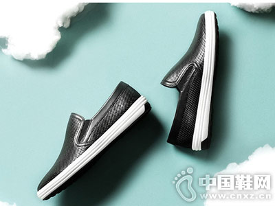 金利来皮鞋2018新款休闲板鞋