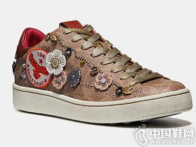 蔻驰鞋覆2018新款休闲板鞋