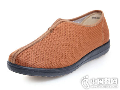 亨达休闲鞋2018新款