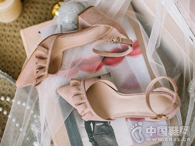 如熙女鞋2018新款小粗跟中空单鞋