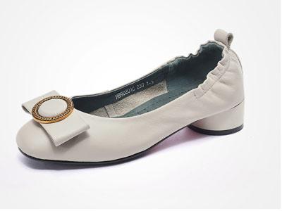 富贵鸟2018秋季新款女鞋粗跟单鞋