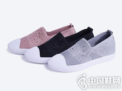 思加图2018秋牛皮布面时尚休闲