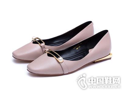 莎莎苏女鞋2018新款杏色粗跟平底单鞋