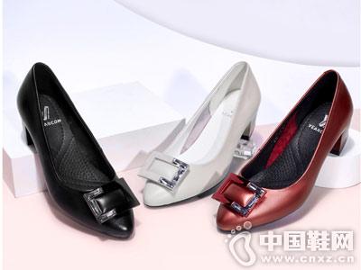 意尔康女鞋2018秋季单鞋新品