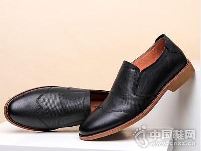 日泰男鞋2018秋季新休闲鞋