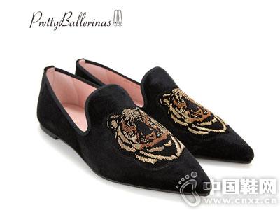 PrettyBallerinas18秋冬绒面尖头刺绣芭蕾舞鞋