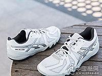 羽毛球鞋白色�\�有�ASICS��瑟士新款
