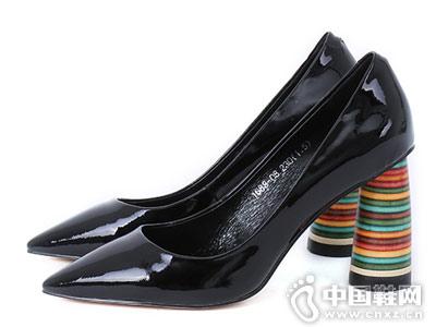 时尚尖头粗跟单鞋 易美舒适女鞋