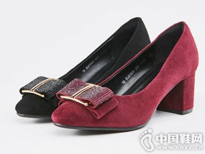 卡迪娜2018新款蝴蝶结粗跟满帮鞋