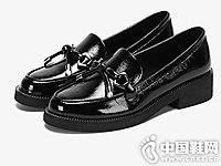 Daphne达芙妮2018秋新款时尚漆皮乐福鞋