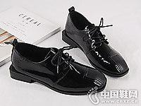 新款简约漆皮方头皮之宝小皮鞋