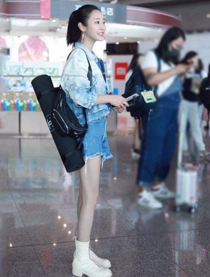 如懿传:令妃机场私服照 只是这鞋引人遐想