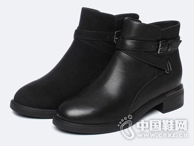 Tata他她2018冬新款时尚粗跟短靴